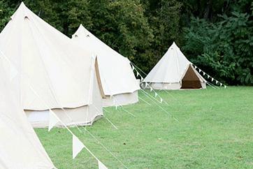 Mariage bohème avec des tentes, Ça Me Tente